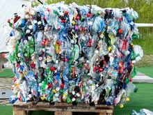 Три из двенадцати компаний-перевозчиков мусора уходят с рынка