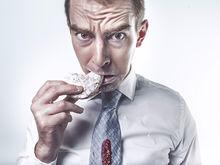 Бизнесмены Екатеринбурга едят кое-как и не следят за питанием. Как это влияет на мозг?