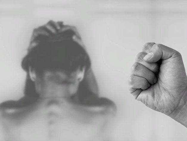 Совфед опубликовал законопроект о домашнем насилии. Абьюзерам запретят общаться с жертвой