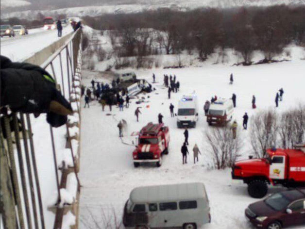 19 погибших: в Забайкалье автобус рухнул в реку. Против перевозчика завели уголовное дело