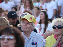 Россияне стали позитивнее оценивать ситуацию в стране. Но четверть готовы протестовать