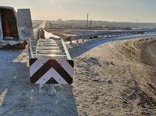 На трассе в обход Красноярска установили инновационное ограждение российского производства