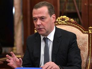 Запретят ли YouTube, что будет с «Яндексом», есть ли деньги: главное из интервью Медведева