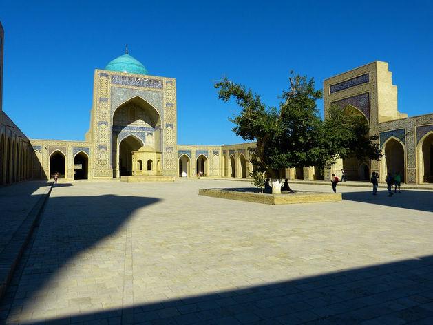 Ушли от «старомодной советской диктатуры»: Узбекистан назвали страной года