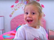 $18 млн за год: пятилетняя россиянка стала третьей в рейтинге звезд YouTube