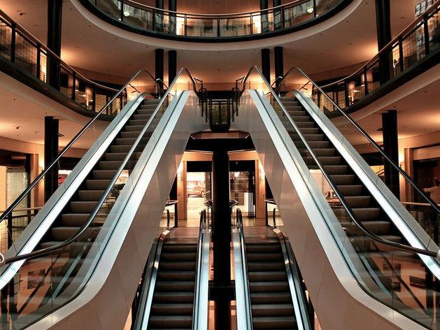 Пустеющие гиганты. Россияне больше не ходят в торговые центры