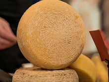 «Мы учим людей европейской культуре потребления». Как в России производят ремесленный сыр
