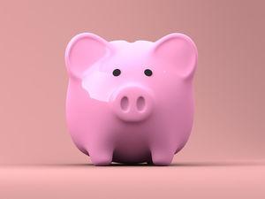 «У среднего класса долгов больше, чем у бедняков». Что не так с вашими деньгами