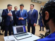 Михаилу Котюкову и Глебу Никитину представили «Киберсердце» и нижегородский экзоскелет
