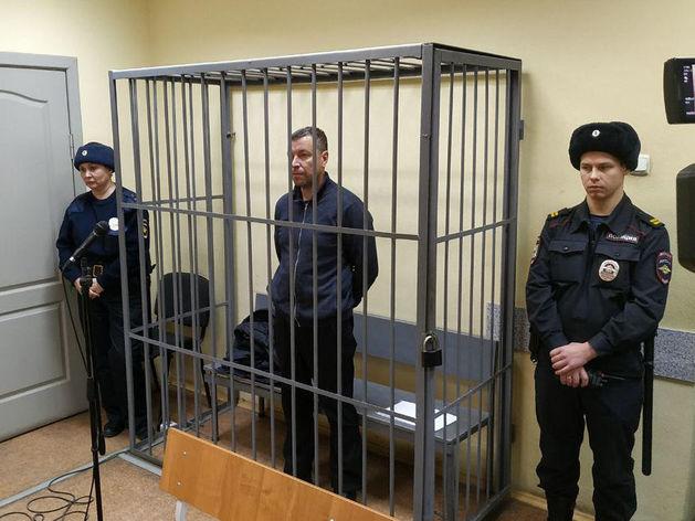 Путин освободил от должности уральского следователя, которого арестовали за взятку