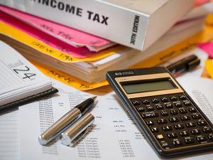 Убрать НДФЛ для бедных и поднять ставку для остальных? Власть обсуждает налоговую реформу