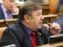 Новый глава фракции КПРФ в Заксобрании объяснил снятие Петра Медведева