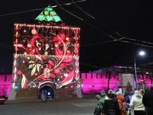 Олененок, яркие цвета и история города. На кремле зажглась новая подсветка за 56 млн