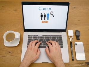 В УрФО опасаются увольнений больше, чем в других регионах. Рекрутеры изучили рынок труда