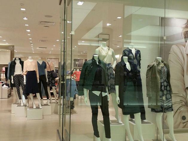 «Одежда и обувь остаются главной статьей экономии». Fashion-рынок упал впервые с 2015 г.