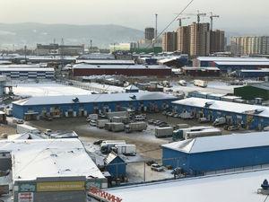 На «Южном рынке» в Красноярске вновь сносят павильоны