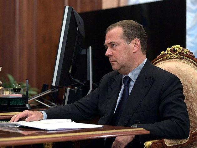 Не знал об отставке за трое суток. Стали известны подробности ухода Медведева