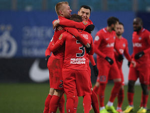Футбольный «Енисей» сохранил Газзаева и готовится выиграть борьбу за выживание в ФНЛ
