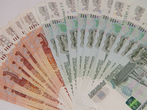 Зарплаты красноярцев за год выросли почти на 8%. Падение только в одной отрасли