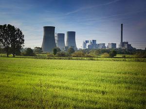 Загрязнение природы хуже терроризма: россияне назвали главные угрозы человечеству