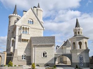 В Челябинске продается «средневековый» замок за 20 млн руб