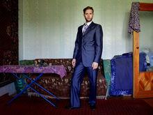 «Неминуемый пацанский успех». Фотограф изобразил советы бизнес-коучей в российских реалиях