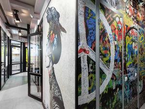 Граффити на стенах и туалет-бункер — в Екатеринбурге открылся новый коворкинг