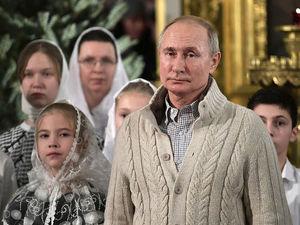 «Кремль оказался в ловушке». 47% россиян уверены, что Путин поменял Конституцию ради себя