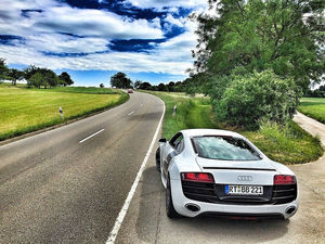 Рядом с вами Audi или BMW? Вероятно, водитель эгоцентричный хам