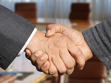 «Работать надо с людьми, которых хочется обнять». Как выбирать партнера для бизнеса