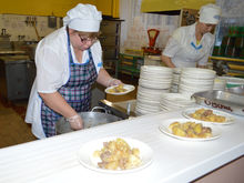 Александра Заремба: акционировать предприятие школьного питания выгодно