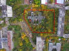 На Ясной продают здание детского сада, на месте которого хотели строить 25-этажные свечки