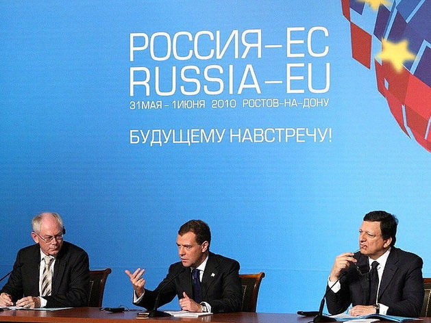 Концепция «осажденной крепости» слабеет: россияне все больше хотят дружить с Европой и США