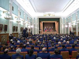 В России 2,6 млн силовиков — больше, чем предпринимателей. На них выделяют треть бюджета
