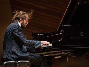 Трижды выходил на бис. Нижегородский пианист из списка Forbes выступил в Кеннеди-центре