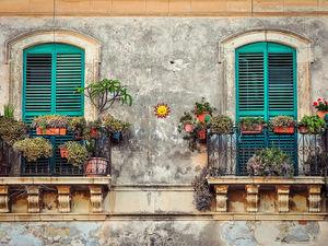 Крах мировой экономики и поющие на балконах итальянцы. Что COVID-19 творит с миром