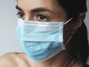 Работодателей обязали измерять температуру сотрудникам и обеспечить средствами дезинфекции