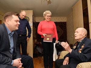 Награда к славной дате: ветеран «АПЗ» и участник ВОВ Дмитрий Чупаев получил медаль