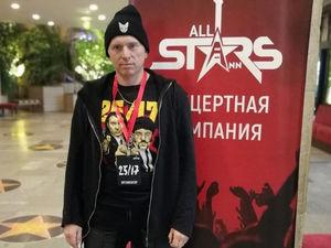 «Будут убытки в сотни тысяч рублей». Директор концертного агентства — об эпидемии