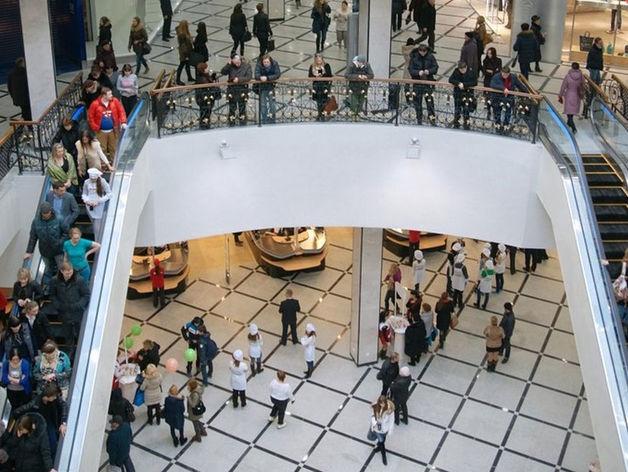 «Только в «Гринвиче» 5 тыс. продавцов, куда они пойдут?». ТРЦ города не закрываются