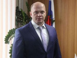 Экс-глава района требует вернуть ему должность. Его уволили из-за уголовного дела
