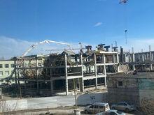 В Екатеринбурге обрушился этаж строящейся школы, на которую власти выделили полмиллиарда