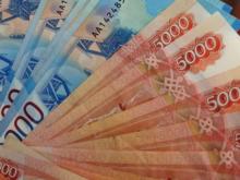Как потом отдавать? Уральцы массово идут в банки за потребительскими кредитами