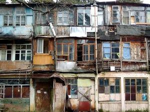 Красноярский край получил более 300 млн рублей на переселение из аварийного жилья