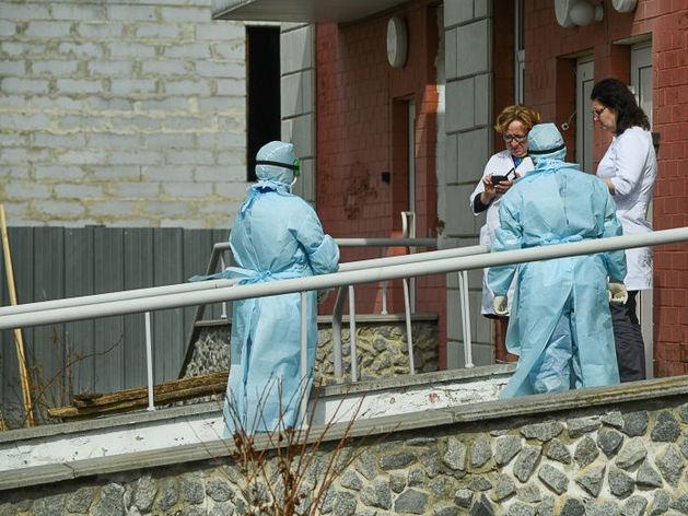 В Екатеринбурге умер врач с COVID-19. В регионе скачок новых заболевших