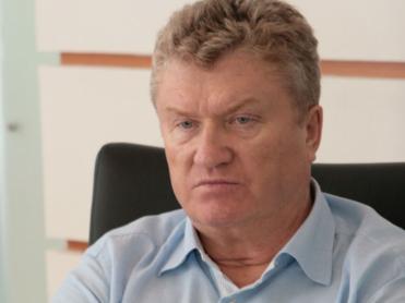 Mercedes и другое имущество депутата-банкрота Валерия Язева продадут на торгах