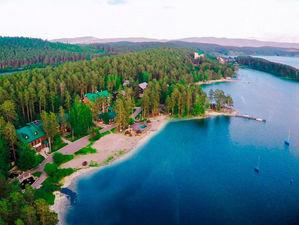 На Южном Урале из-за бань на берегу озера оштрафован известный курорт