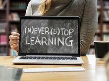 Онлайн-образование не обучает. Даже не надейтесь усвоить что-то перед монитором