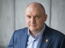 «Это не преступление». Нижегородского экс-депутата подозревают в продаже устаревших ИВЛ