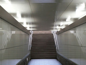 Подземный переход с экраном и зрительным залом открыли в Новосибирске